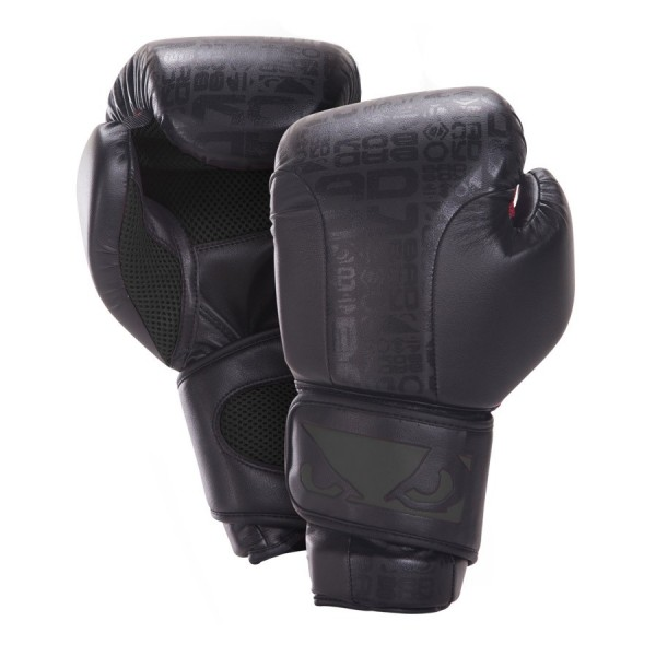 Перчатки боксерские Bad Boy Legacy Boxing Gloves - Black