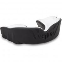 Капа боксерская Venum Challenger Black/White