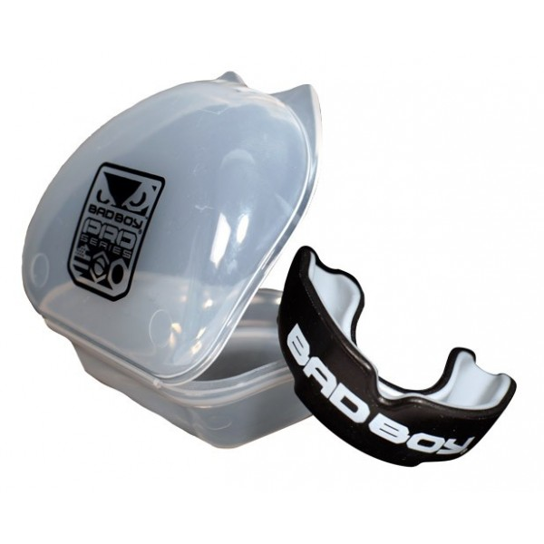 Капа боксерская Bad Boy Pro Series Mouth Guard With Case Black