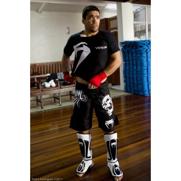 Щитки для ног Venum Predator Standup Shinguards - Black/Ice