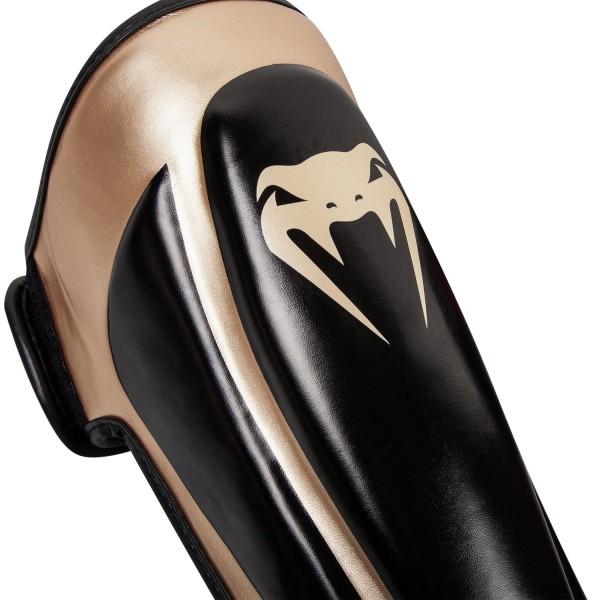 Щитки Venum Predator Black/Gold