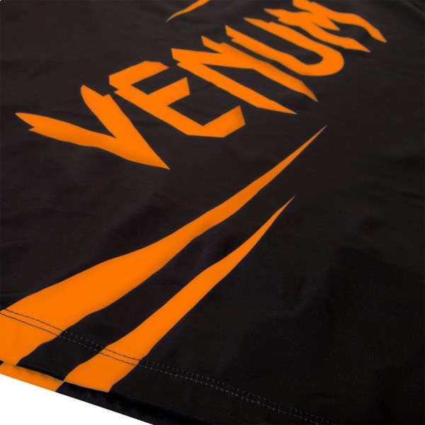 Рашгард Venum Challenger Rashguard - Short Sleeves Black/Neo Orange